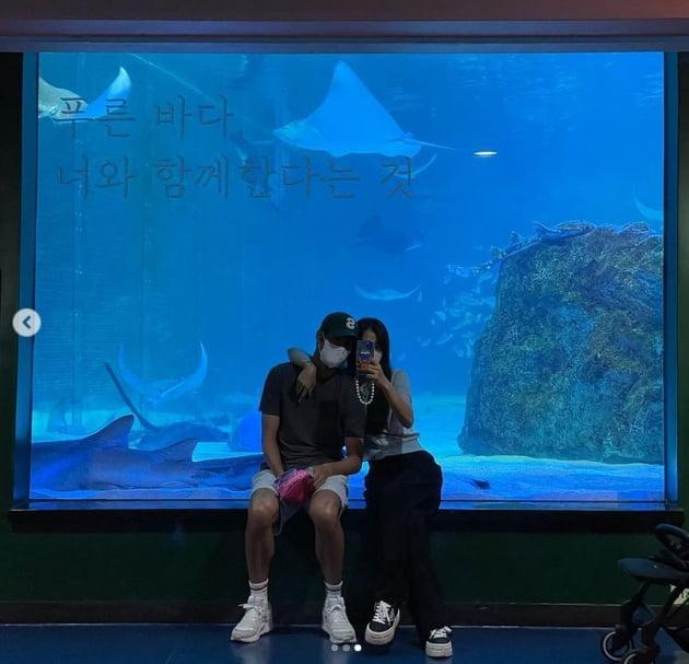 김성은, 두 달만에 만난 남편...♥정조국 챙기는 껌딱지 사랑꾼[TEN★]