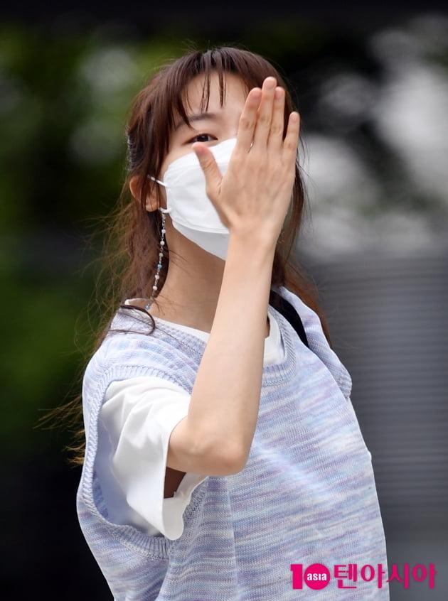 [TEN 포토] 방민아 '팬을 향해 딥키스 날리며'