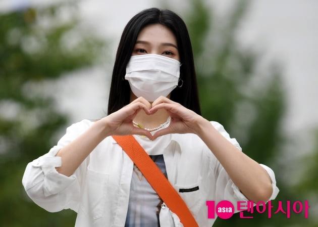 [TEN 포토] 레드벨벳 조이 '♥크러쉬를 향한 하트 뿅뿅'