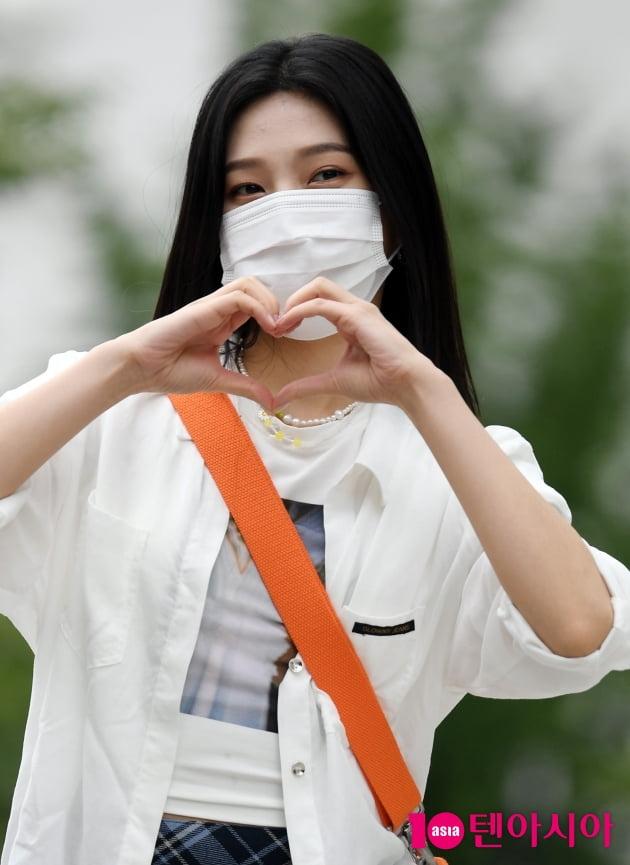 [TEN 포토] 레드벨벳 조이 '하트가 넘쳐 흘러~'