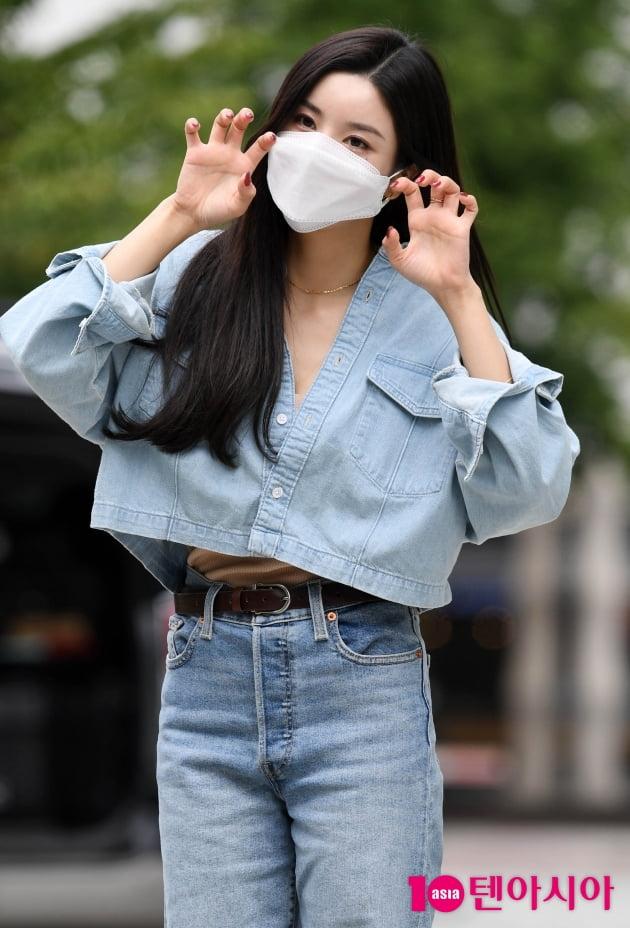 [TEN 포토] 권은비 '앙증맞은 포인트 안무'