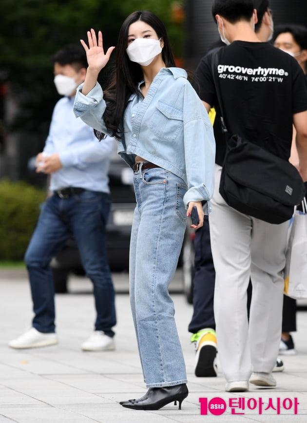 [TEN 포토] 권은비 '청바지가 잘 어울리는 여자'