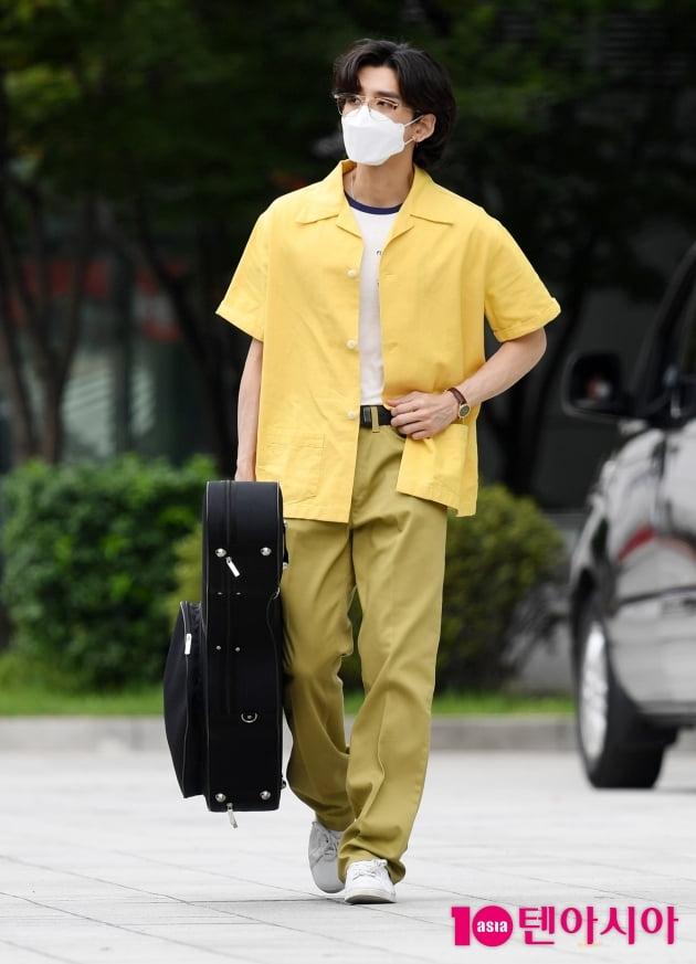 [TEN 포토] 잔나비 최정훈 '노란셔츠 사나이 왔어요'
