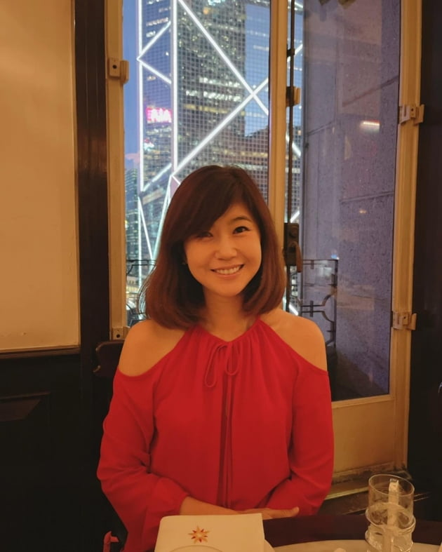 """'금융맨♥' 강수정, 회원제 레스토랑에서 홍콩 야경뷰 내려다보며 """"커플 디너"""" [TEN★]"""