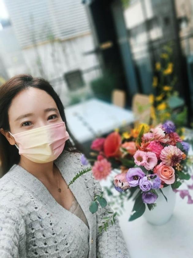 """'백종원♥' 소유진, 신사동 플라워숍에서 """"꽃꽂이""""…고상한 """"힐링타임"""" [TEN★]"""