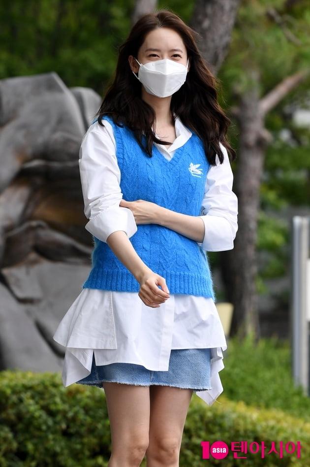 [TEN 포토] 윤아 '청청패션도 완벽하게 소화'(기적)