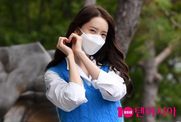 [TEN 포토] 윤아 '심쿵 하트'(기적)