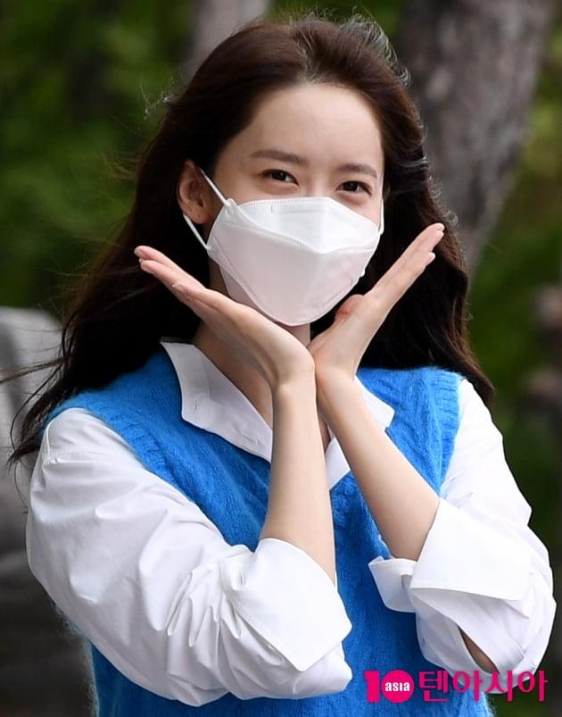 [TEN 포토] 윤아 '방송국에 핀 이쁜 꽃 한송이'(기적)