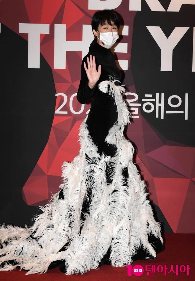 [TEN 포토] 홍진경 '만학도의 충격적인 의상'(올해의 브랜드 대상)