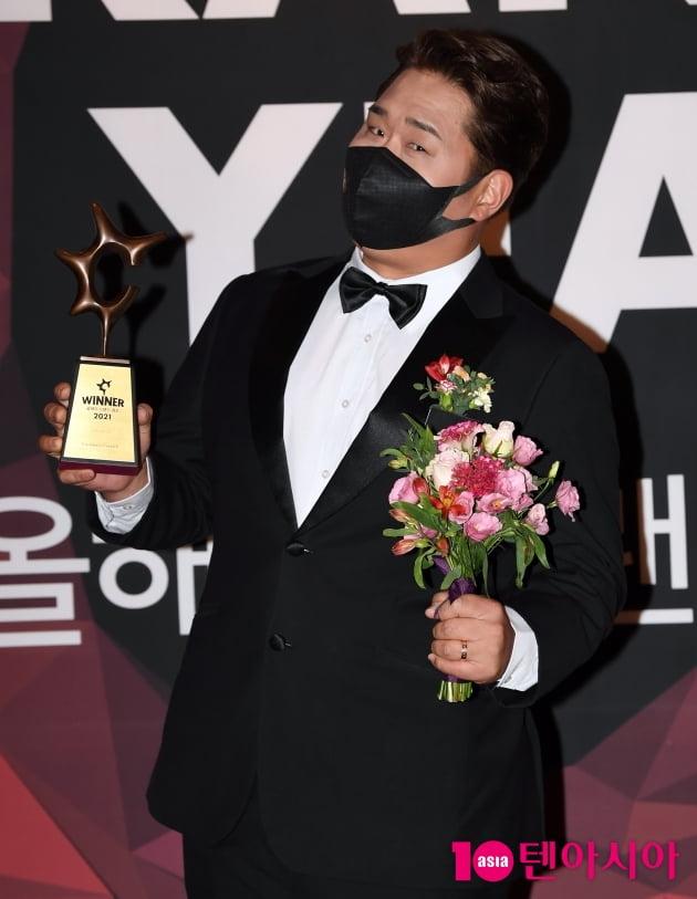 [TEN 포토] 문세윤 '호텔 식사가 아니라 수상하러 왔어요'(올해의 브랜드 대상)