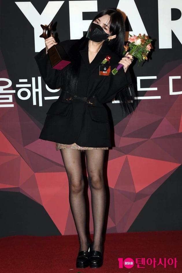 [TEN 포토] 헤이즈 '올해의 브랜드 대상 여성보컬 수상'