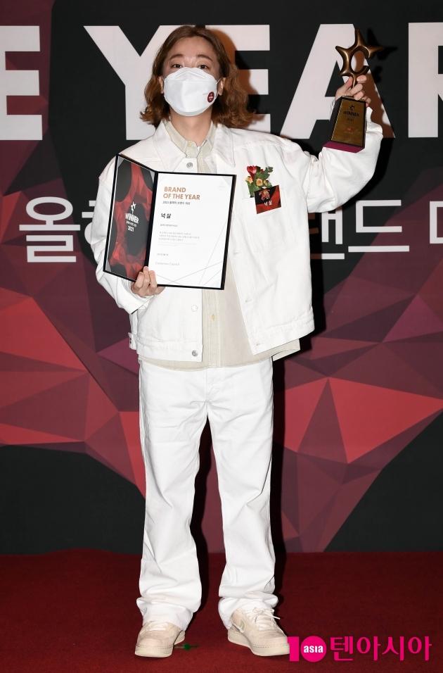 [TEN 포토] 넉살 '올해의 브랜드 대상 멀티테이너 수상'