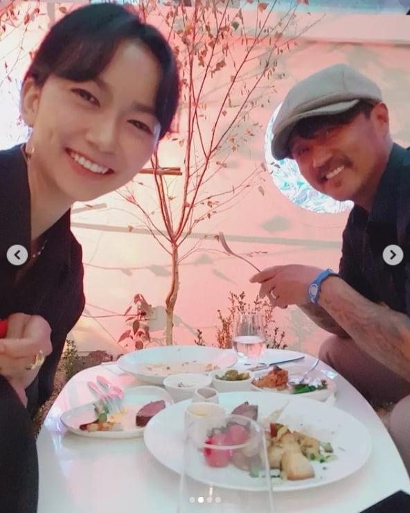 이주노, '♥23세 연하' 와이프랑 결혼 10주년...미모가 어마어마하네[TEN★]
