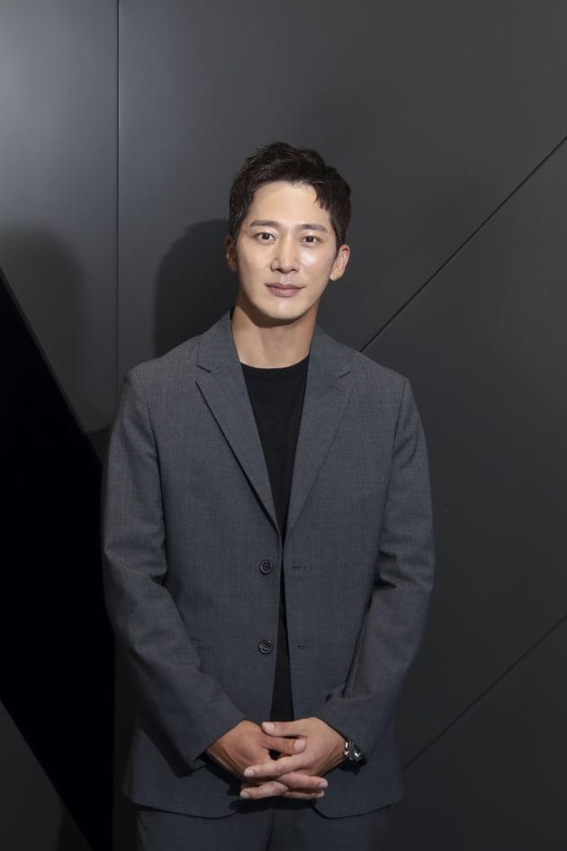 영화 '영화의 거리'에 출연한 배우 이완. / 사진제공=씨네소파