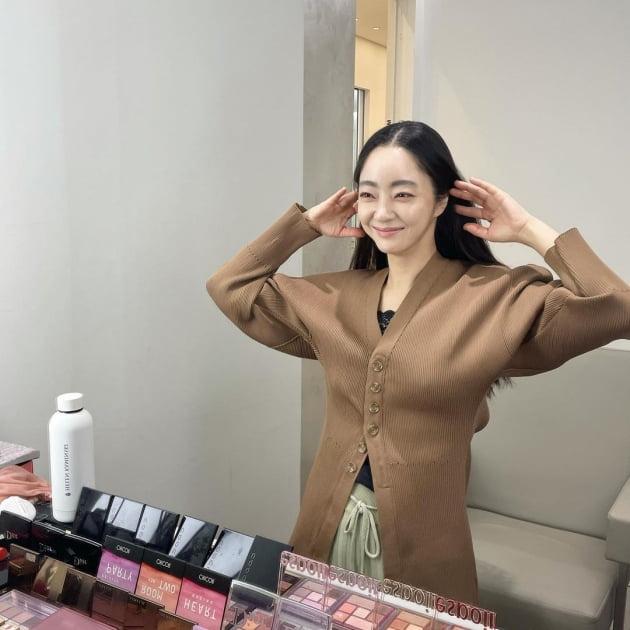 '김수미 며느리' 서효림, 5대5 가르마 하고 가오리춤…37세 애엄마라 믿기 힘들어 [TEN★]