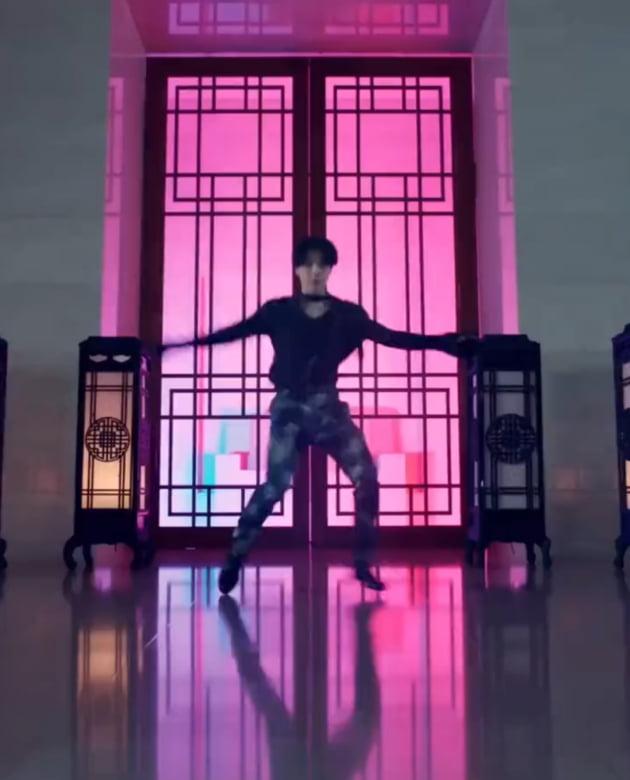 '어기영차 서울 홍보' 방탄소년단 지민, 초고속 360도 연속 스핀으로 소개한 'Seoul'