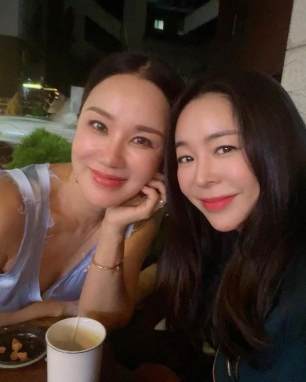 가수 엄정화(왼쪽), 이혜영/ 사진=이혜영 인스타그램