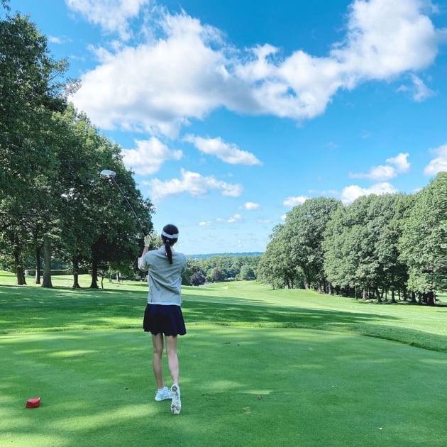 '권상우♥' 손태영, 애둘맘인데 뒤태는 20대…미국이라 골프도 더 여유롭게 [TEN★]