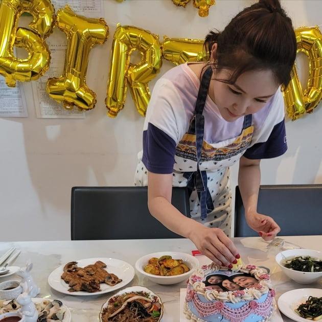 '한의사♥' 장영란, 개원 준비 중인 남편 위한 생일상…한식당 차려도 될 솜씨 [TEN★]