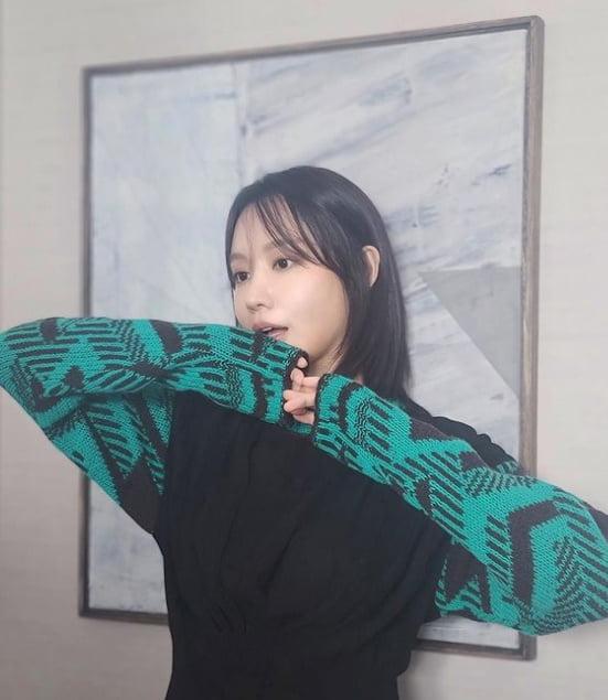 김아중, 역광이면 어때…보일락 말락 해도 매력적 [TEN★]