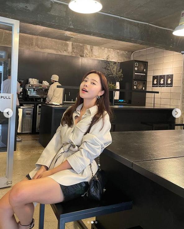 '박성광♥' 이솔이, 여유로운 주말 카페에서 데이트중...달달하네[TEN★]