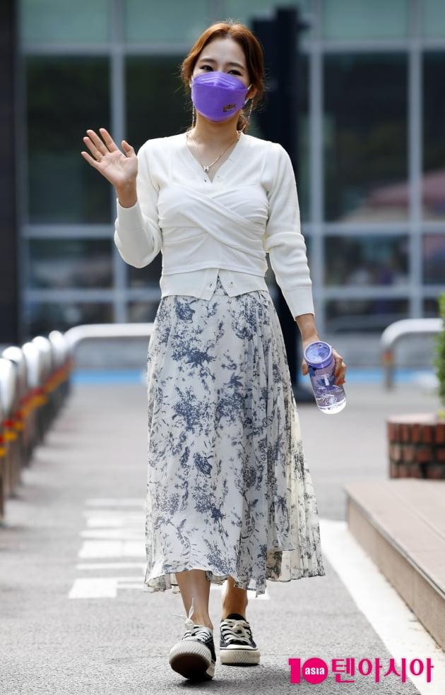 [TEN 포토] 홍자 '우아한 발걸음'