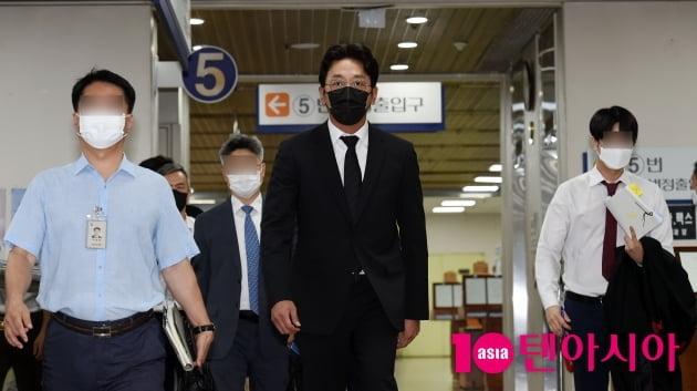 [TEN피플] '450억 자산가' 하정우, '프로포폴' 실형 피하기엔 옹색한 경제 손실 '변명'