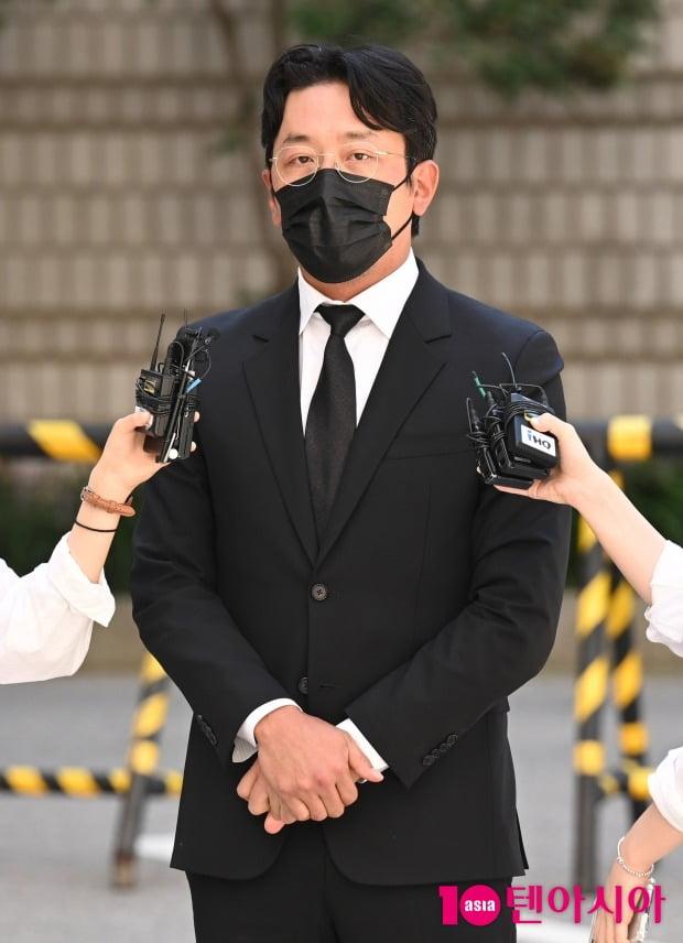 [TEN 포토] '프로포폴 불법 투약 혐의' 하정우 '성실히 임하겠다'