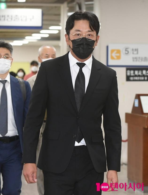 [TEN 포토] '프로포폴 불법 투약 혐의' 하정우 '1심 벌금형'