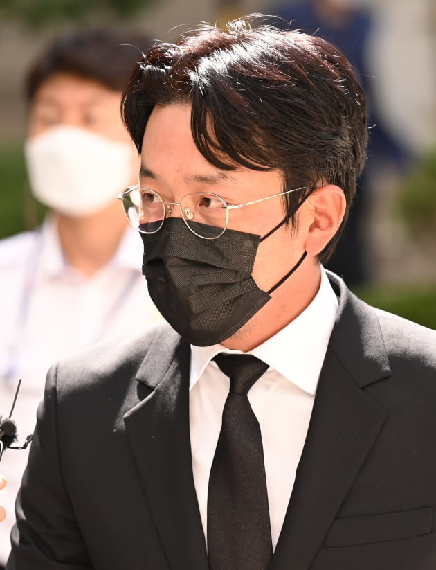 """""""너무 죄송하다""""…'프로포폴 투약' 하정우, 1심서 벌금 3000만원 벌금형[종합]"""