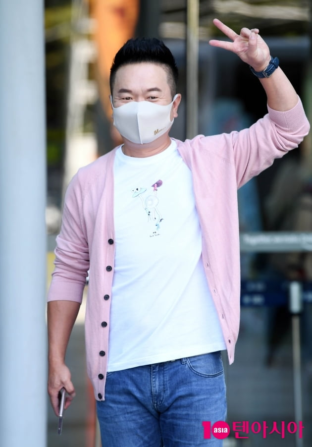 [TEN 포토] 김태균 '남자는 핑크죠'