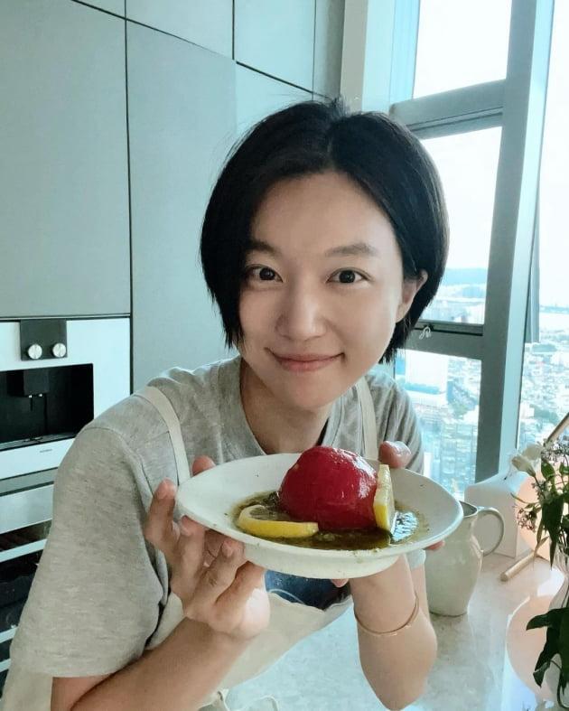 """'사업가♥' 하연주, 요리할 때도 반지 안 빼는 신혼 """"처음 해봐서 어렵네요"""" [TEN★]"""