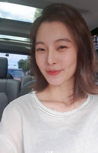 윤소이, '♥' 남편 조성윤과 달달 투샷…만삭 맞아요? [TEN★]