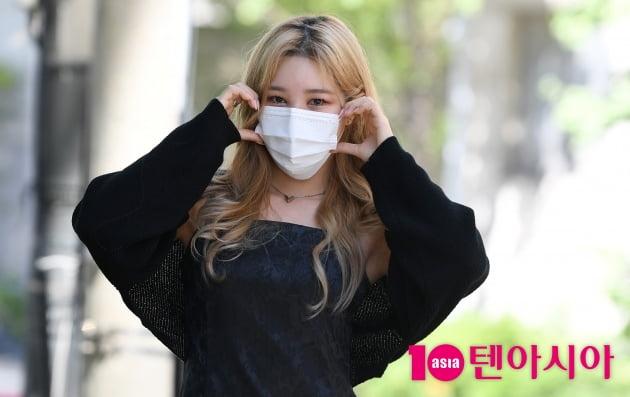[TEN 포토] 해시태그 승민 '귀여운 볼하트'