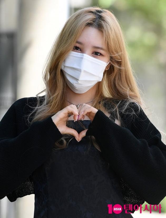 [TEN 포토] 해시태그 승민 '신곡 '끝자리' 사랑이 필요합니다'