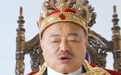 김흥국, '뺑소니 사건' 뒤…자숙 대신 '왕관' 썼다