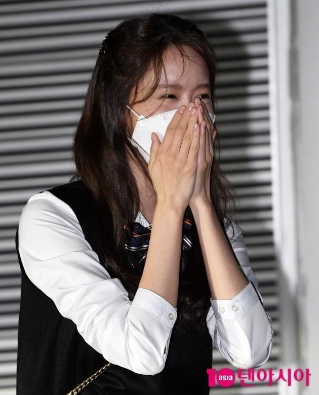 [TEN 포토] 윤아 '볼하트 몰라서 빵 터졌어요'