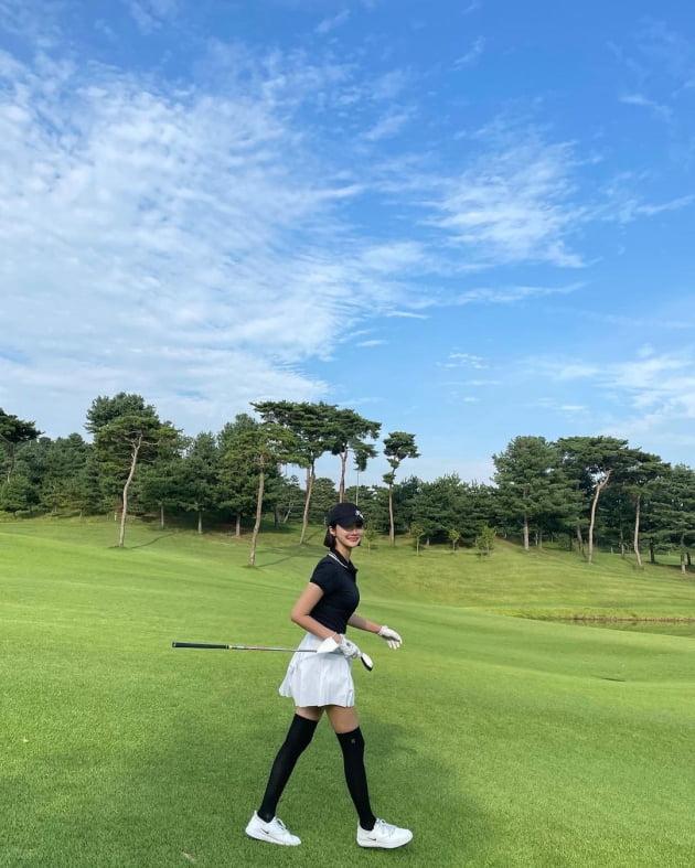 """'172cm' 고준희, 골프 선수해도 될 """"요즘"""" 근황…골프장 화보 비주얼 [TEN★]"""