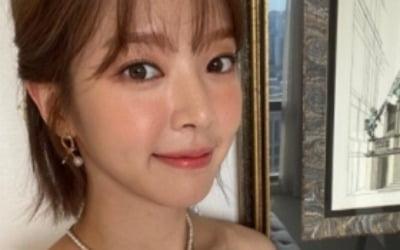 """AOA 출신 초아, 유튜브 1주년 """"힘내서 여기까지 왔다"""""""