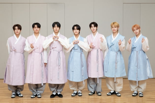 [공식]'10월 12일 컴백' ENHYPEN, 전 세계 팬들과 함께 보낸 즐거운 추석 연휴