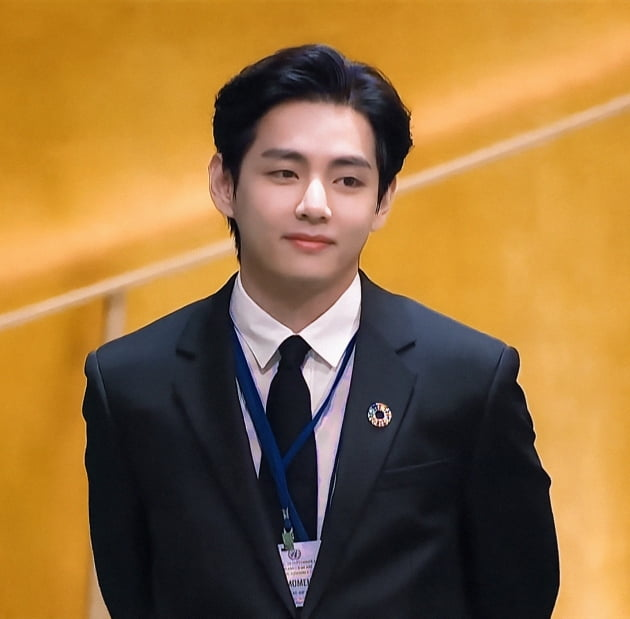 방탄소년단 뷔, UN 'SDG 모멘트'서 전한 감동…'희망의 메시지'에 주목