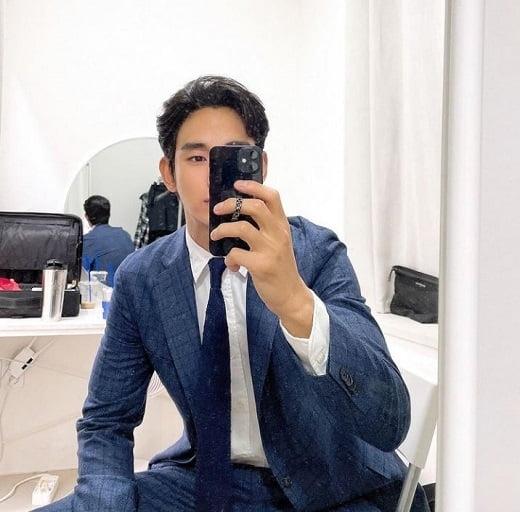 배우 김수현 인스타그램./