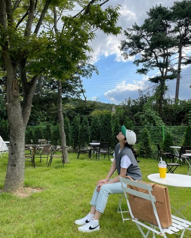 """'전진♥' 류이서, 일산 카페에서 """"사랑하는 사람과"""" 광합성 중…한창 좋을 신혼 [TEN★]"""