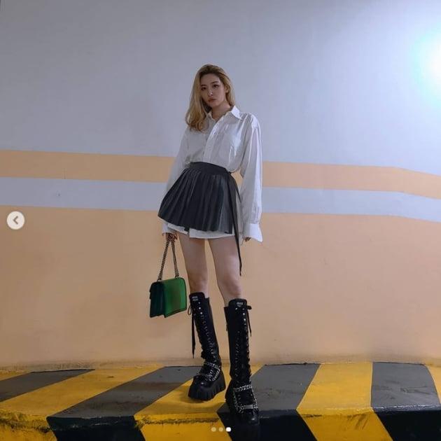 선미, 가을패션에 색을 단순화 하다...독보적 존재감[TEN★]