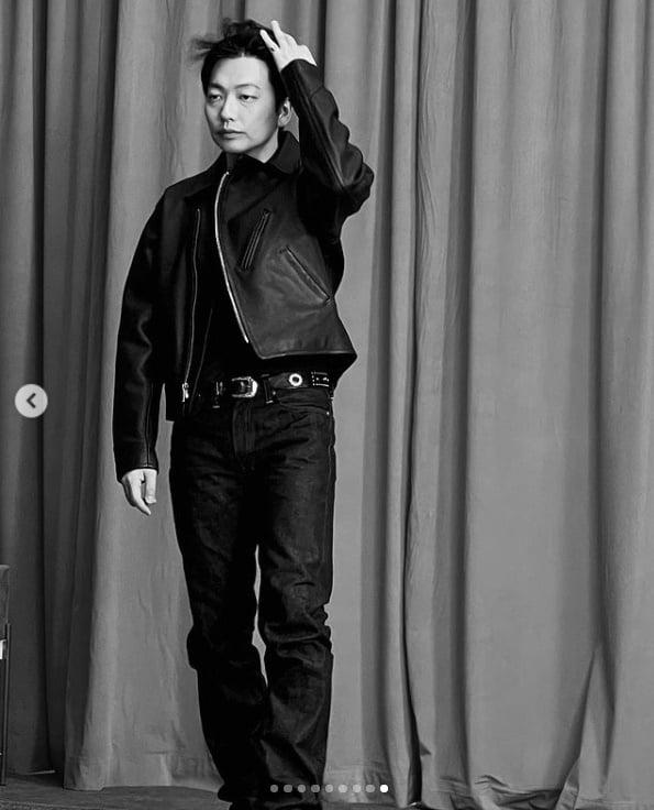 '정호연♥' 이동휘, 흑백사진 속에서도 빛나는 패셔니스타[TEN★]