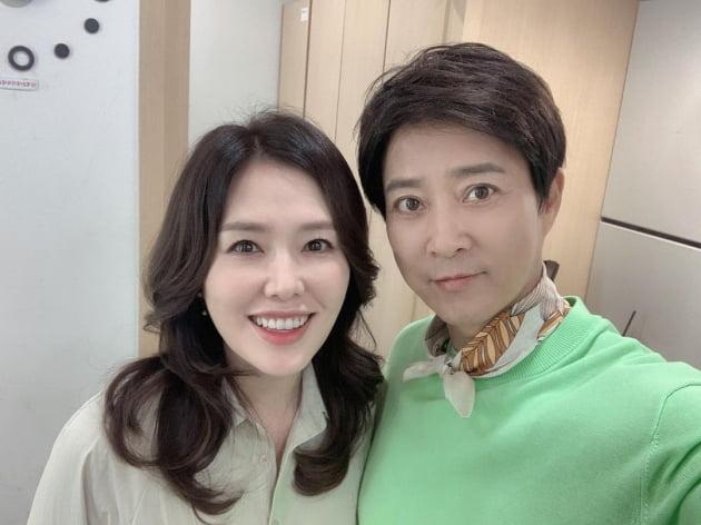 """최수종♥하희라, 눈가 주름마저 닮아가는 50대 부부 """"오늘도 함께"""" [TEN★]"""