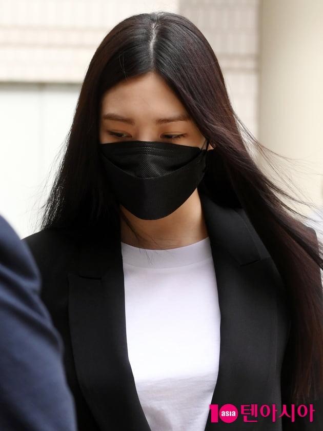 [TEN 포토] '음주운전' 리지 '고개 숙이고 법원 출석'
