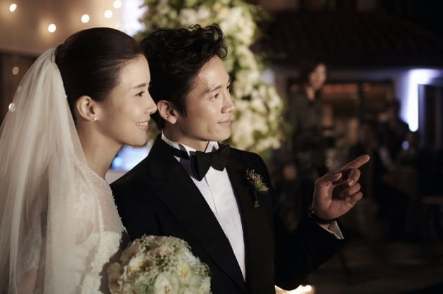 배우 이보영(왼쪽), 지성/ 사진=인스타그램 캡처
