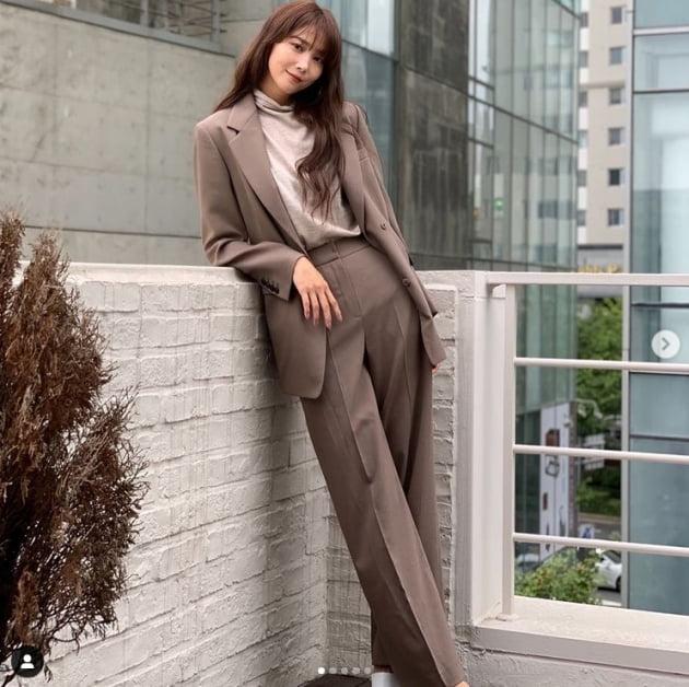 '싱글맘'오윤아, 감탄을 부르는 비주얼...끝도 없는 다리길이[TEN★]