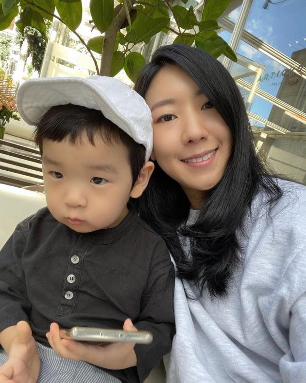 """'이필모♥' 서수연, '따라하기 1등' 아들 때문에 """"찬물도 못 마셔""""…의외의 고충 [TEN★]"""